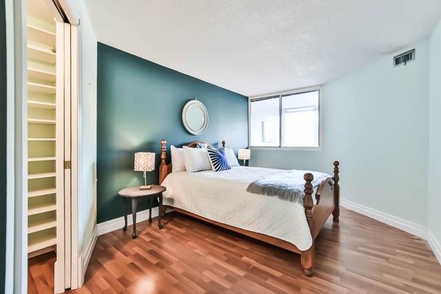 Condo Apartment at 1665 Victoria Park Ave, Unit 407, Toronto, Ontario. Image 4