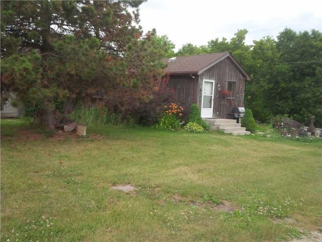 Rural Residence at 20913 Leslie St, East Gwillimbury, Ontario. Image 3