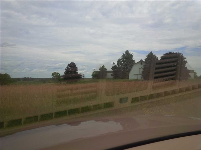 Rural Residence at 20913 Leslie St, East Gwillimbury, Ontario. Image 5
