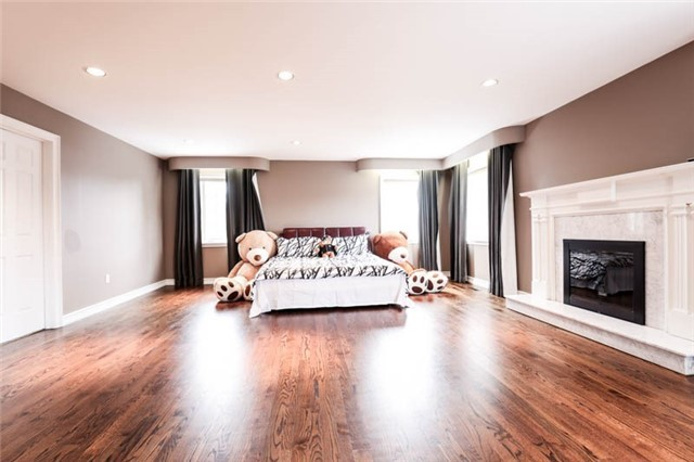 Detached at 22 Limcombe Dr, Markham, Ontario. Image 5