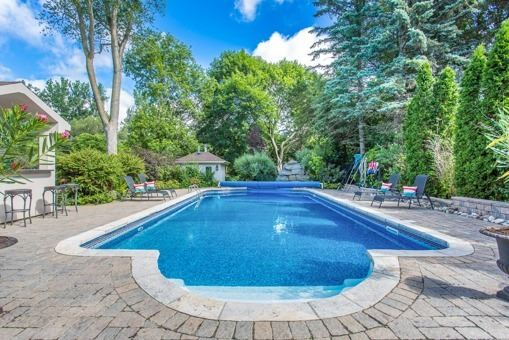 Detached at 134 Hillview Rd, Aurora, Ontario. Image 11