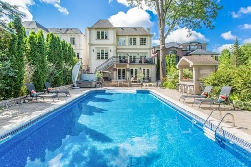 Detached at 134 Hillview Rd, Aurora, Ontario. Image 13