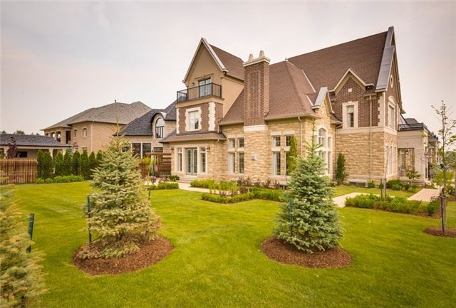 Detached at 2 Rosebud Crt, Vaughan, Ontario. Image 13