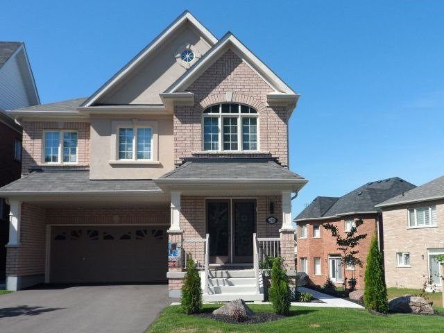 Detached at 248 Gord Clelland Gate, Newmarket, Ontario. Image 1