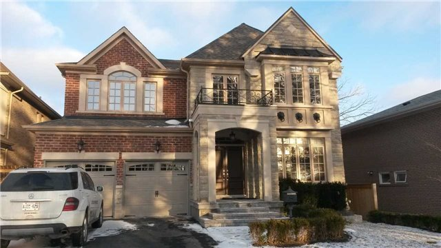 Detached at 55 Avenue Rd, Richmond Hill, Ontario. Image 1