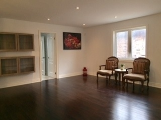 Detached at 55 Avenue Rd, Richmond Hill, Ontario. Image 4