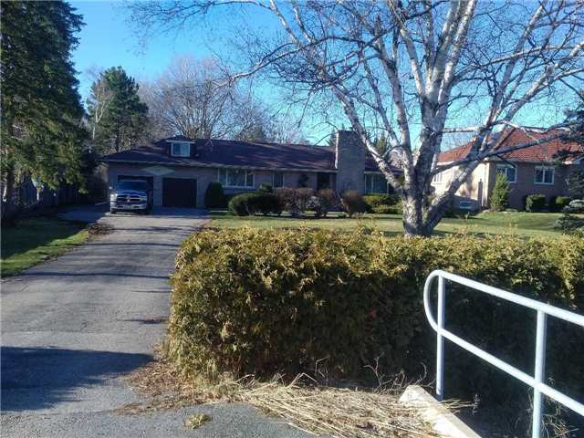 Detached at 208 Centre St, Vaughan, Ontario. Image 1