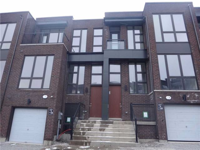 Townhouse at 13 Cambray Rd, Vaughan, Ontario. Image 1