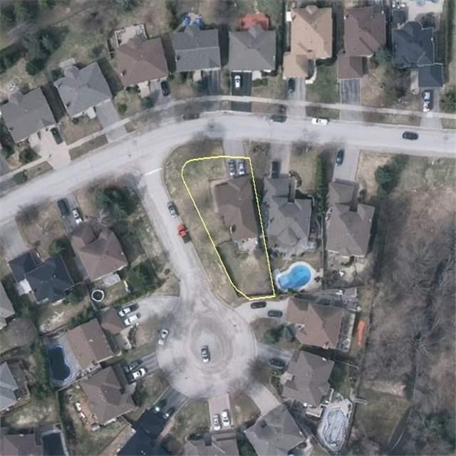 Detached at 2 Greenlefe Crt, Aurora, Ontario. Image 11