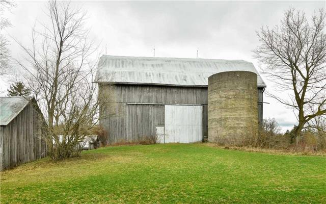 Detached at 5987 12th Line, New Tecumseth, Ontario. Image 16