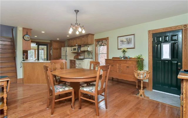 Detached at 5987 12th Line, New Tecumseth, Ontario. Image 17