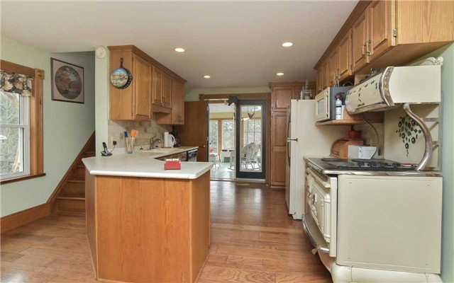 Detached at 5987 12th Line, New Tecumseth, Ontario. Image 20