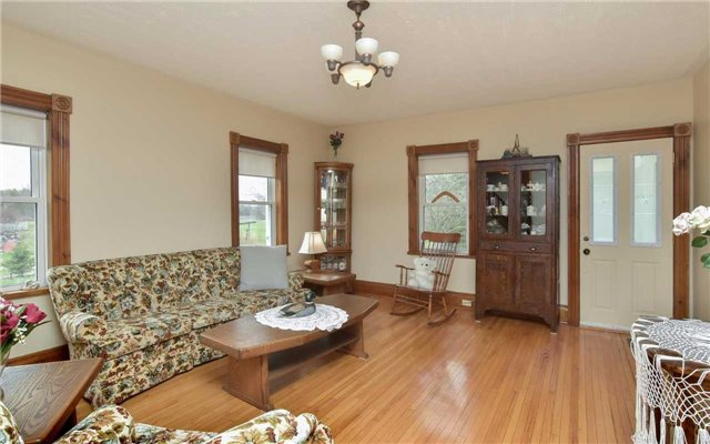 Detached at 5987 12th Line, New Tecumseth, Ontario. Image 6