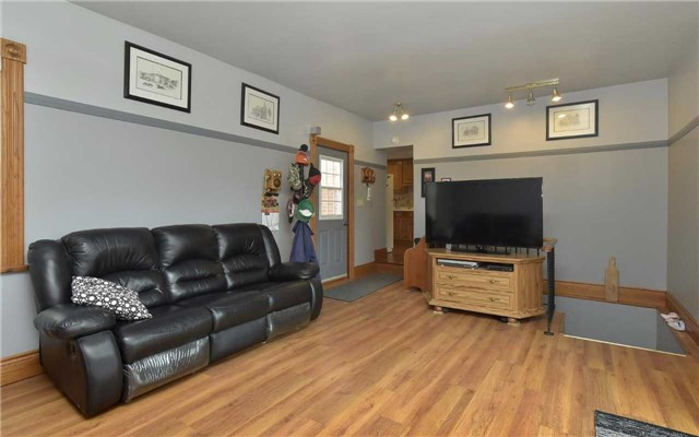 Detached at 5987 12th Line, New Tecumseth, Ontario. Image 7