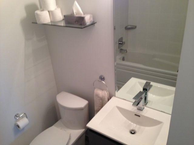 Condo Apartment at 69 Boyne St, Unit 312, New Tecumseth, Ontario. Image 9