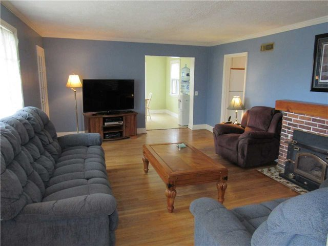 Detached at 12846 Highway 48 Rd, Whitchurch-Stouffville, Ontario. Image 5