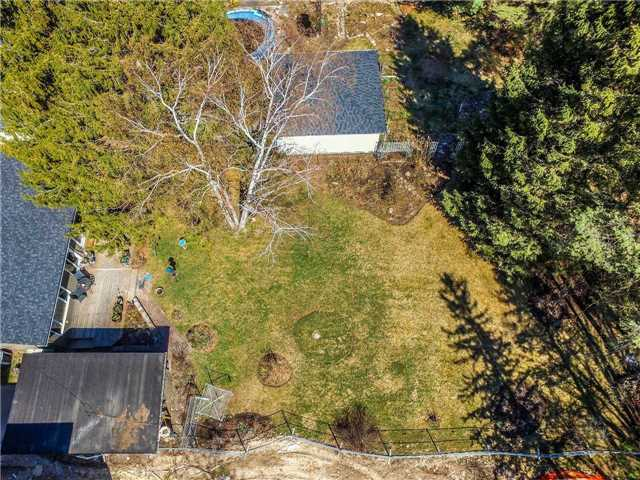 Detached at 133 Hillview Rd, Aurora, Ontario. Image 13