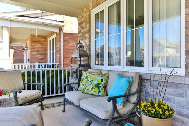 Detached at 176 Robirwin St, Whitchurch-Stouffville, Ontario. Image 12