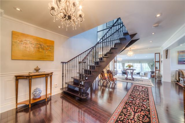 Detached at 14038 Bayview Ave, Aurora, Ontario. Image 12