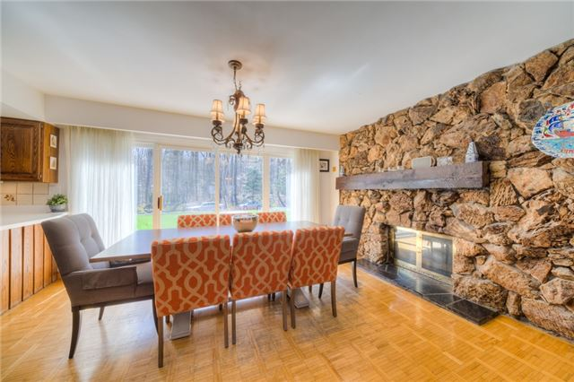 Detached at 14038 Bayview Ave, Aurora, Ontario. Image 2