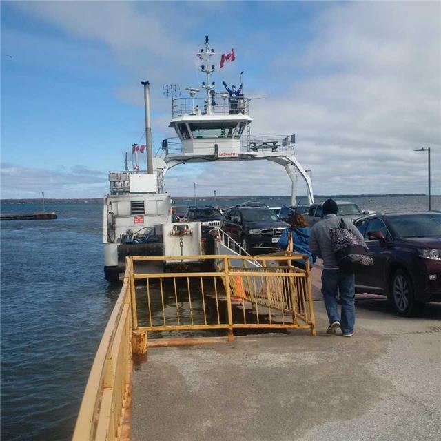 Detached at 1091 Turtle Rd, Georgina Islands, Ontario. Image 11