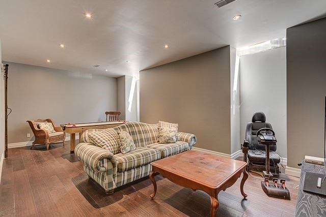 Detached at 7 Eckardt Ave, Markham, Ontario. Image 6