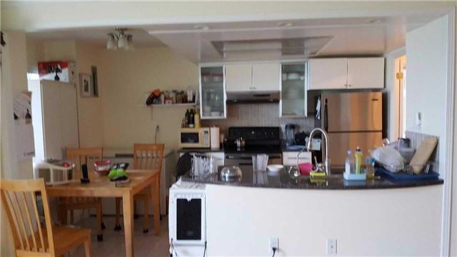 Condo Apartment at 7825 Bayview Ave, Unit 725, Markham, Ontario. Image 1