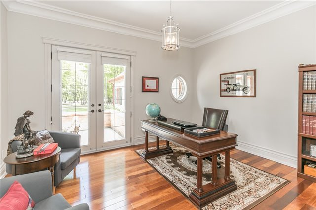 Detached at 5 Ogden Cres, Whitchurch-Stouffville, Ontario. Image 2