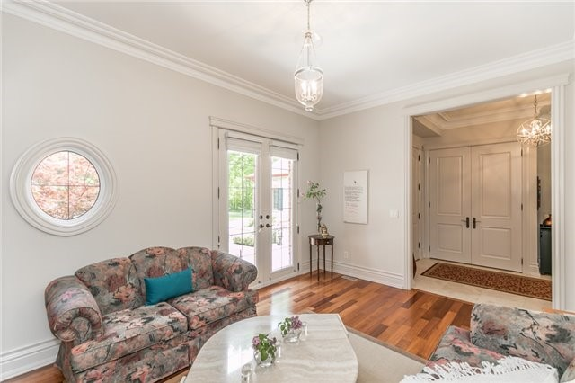 Detached at 5 Ogden Cres, Whitchurch-Stouffville, Ontario. Image 3