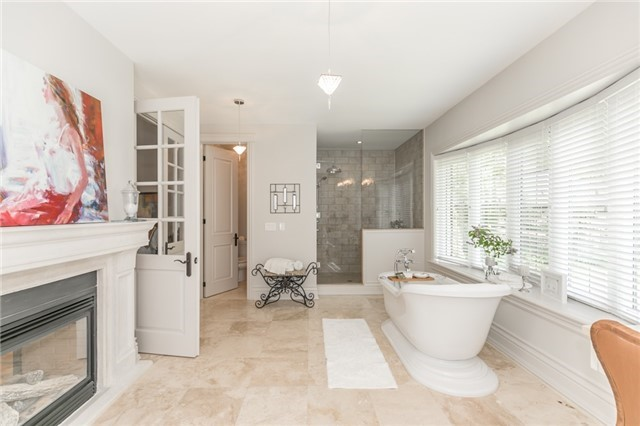 Detached at 5 Ogden Cres, Whitchurch-Stouffville, Ontario. Image 5