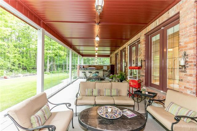 Detached at 5 Ogden Cres, Whitchurch-Stouffville, Ontario. Image 9