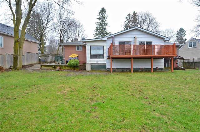 Detached at 98 Muirhead Cres, Richmond Hill, Ontario. Image 10