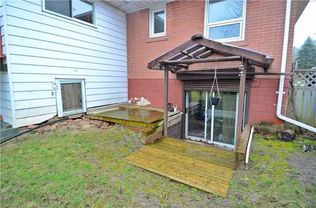 Detached at 98 Muirhead Cres, Richmond Hill, Ontario. Image 11