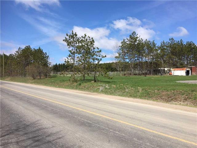 Detached at 2150 6th Line, Innisfil, Ontario. Image 4