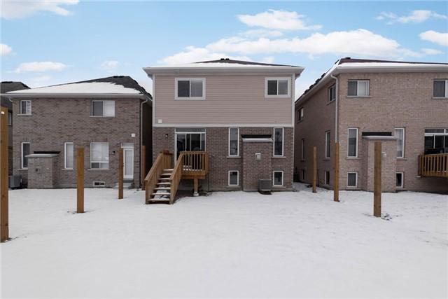Detached at 40 Sydie Lane, New Tecumseth, Ontario. Image 10