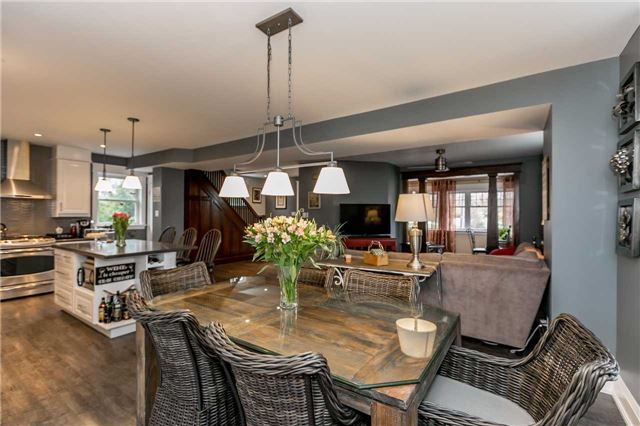 Detached at 116 Pleasantview Ave, Newmarket, Ontario. Image 16