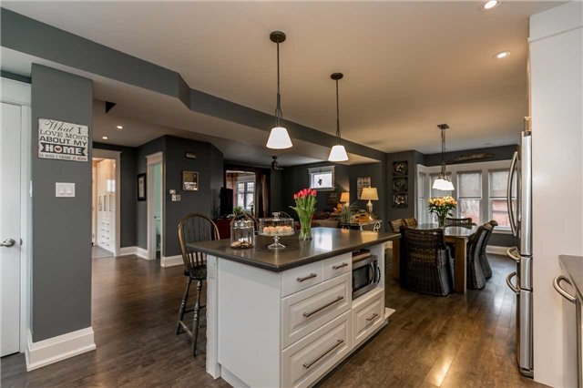 Detached at 116 Pleasantview Ave, Newmarket, Ontario. Image 18