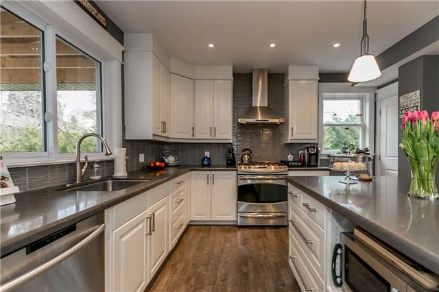 Detached at 116 Pleasantview Ave, Newmarket, Ontario. Image 19