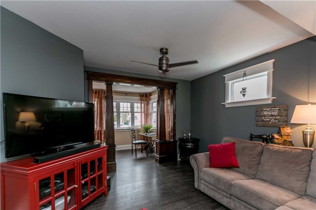 Detached at 116 Pleasantview Ave, Newmarket, Ontario. Image 2