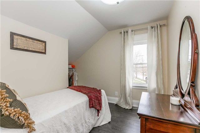 Detached at 116 Pleasantview Ave, Newmarket, Ontario. Image 6