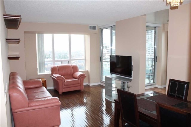 Condo Apartment at 330 Red Maple Rd, Unit 1204, Richmond Hill, Ontario. Image 11