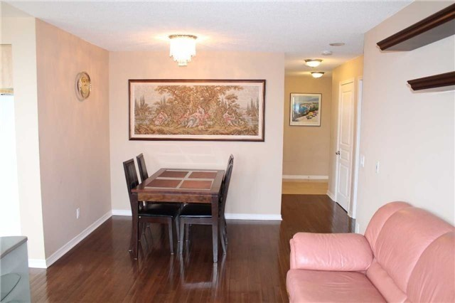Condo Apartment at 330 Red Maple Rd, Unit 1204, Richmond Hill, Ontario. Image 12