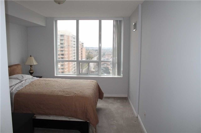 Condo Apartment at 330 Red Maple Rd, Unit 1204, Richmond Hill, Ontario. Image 2