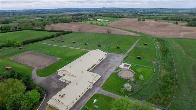 Detached at 8388 Fifth Sdrd, Adjala-Tosorontio, Ontario. Image 12