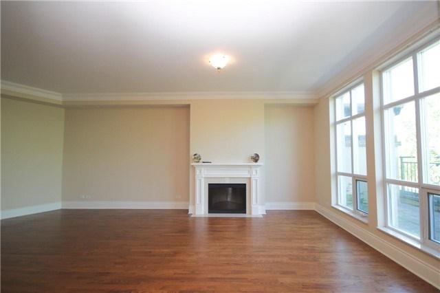 Condo Apartment at 7071 Bayview Ave, Unit Ph5, Markham, Ontario. Image 15