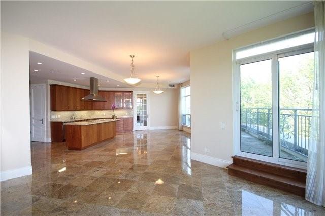 Condo Apartment at 7071 Bayview Ave, Unit Ph5, Markham, Ontario. Image 18