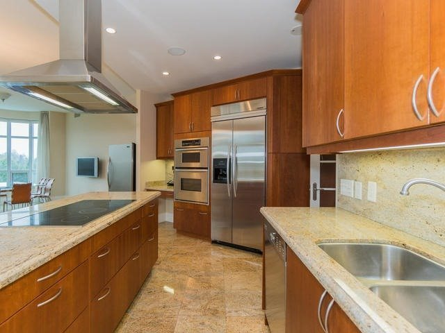 Condo Apartment at 7071 Bayview Ave, Unit Ph5, Markham, Ontario. Image 19