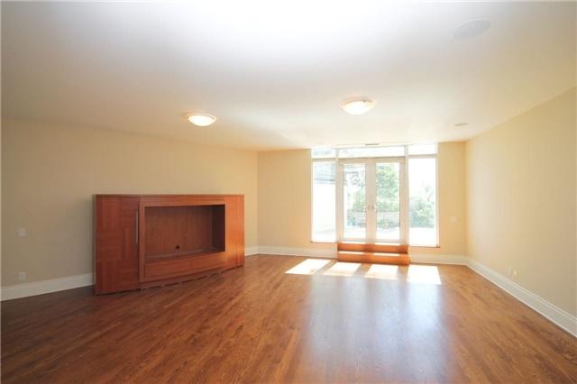 Condo Apartment at 7071 Bayview Ave, Unit Ph5, Markham, Ontario. Image 6