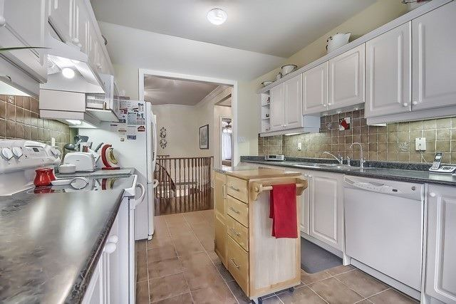 Condo Leasehold at 30 Norm Faulkner Dr, Whitchurch-Stouffville, Ontario. Image 18