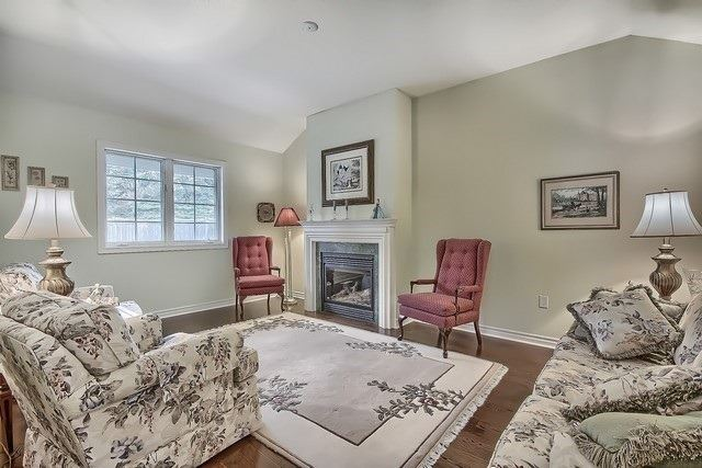 Condo Leasehold at 30 Norm Faulkner Dr, Whitchurch-Stouffville, Ontario. Image 20